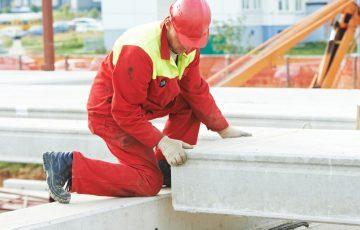 Montaż płyt betonowych – na co zwrócić uwagę?